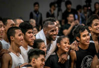 King James gives back